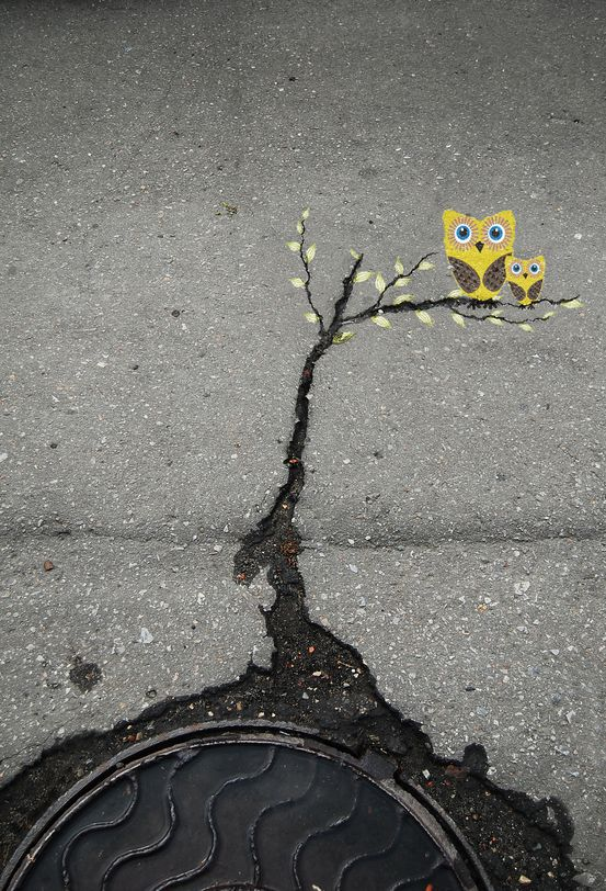 Street-Art-by-Alexey-Menschikov-in-Russia
