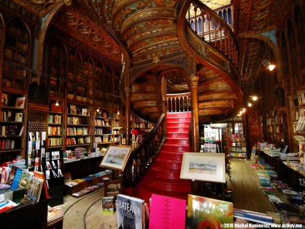 Livraria Lello e Irmao, Porto, Portugal
